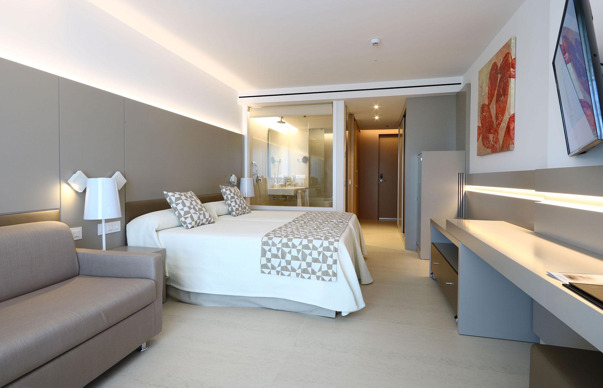 hipotels mallorca dekton latam. Black Bedroom Furniture Sets. Home Design Ideas